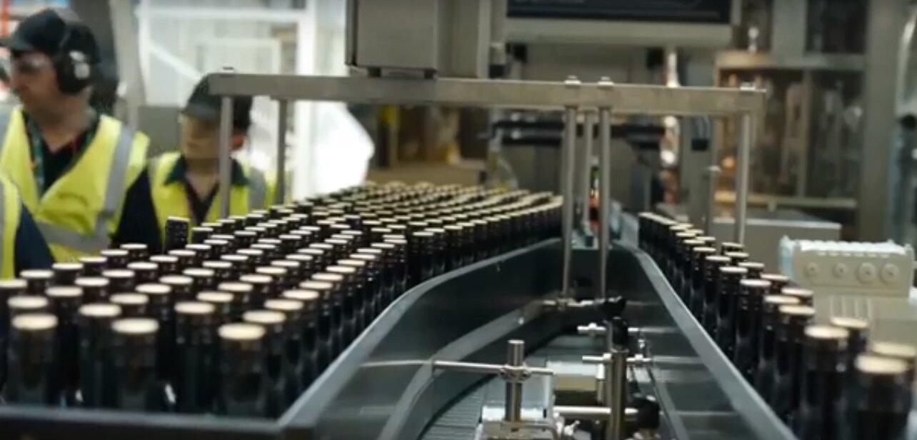Каплеструйные маркираторы на линии розлива в стеклянной упаковке